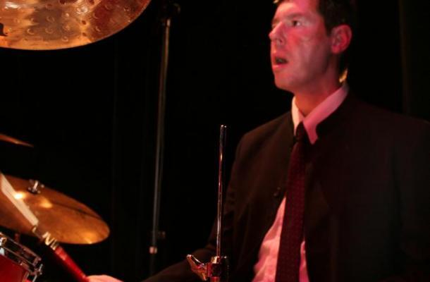 Gilles DESPIERRE batteur en concert