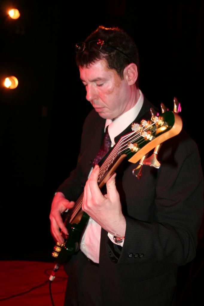 Gilles DESPIERRE bassiste